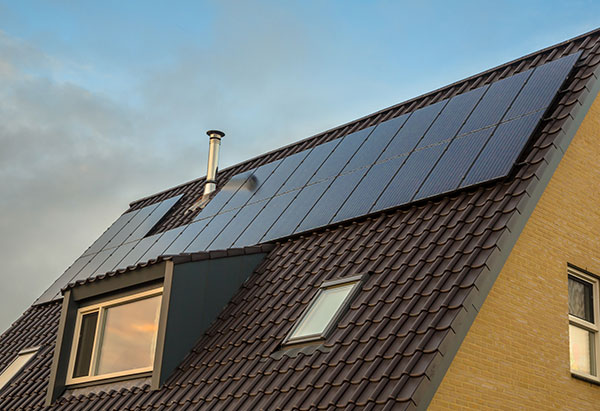 solar enegy panels system at home